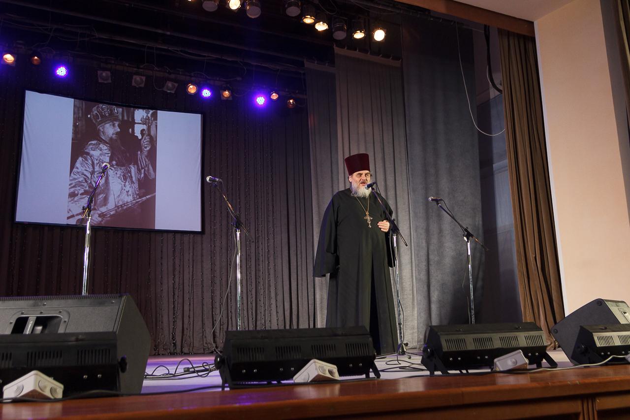 Вечер памяти: в Новосибирске молитвенно вспомнили почивших архиереев